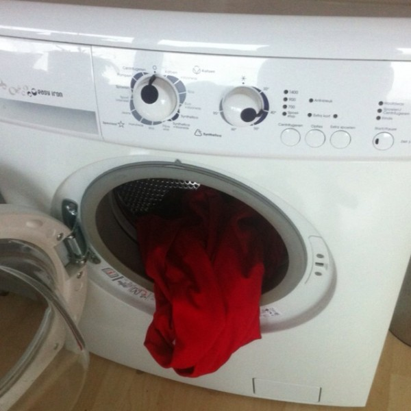 om non nom washing machine meme funny pic picture lol