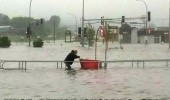 must return shopping cart flood water parking lot funny pics pictures pic picture image photo images photos lol