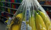 bananas they said spider tarantula insect bag store funny pics pictures pic picture image photo images photos lol