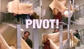 friends tv scene ross pivot couch sofa stairs funny pics pictures pic picture image photo images photos lol