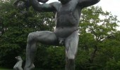 fuck off babies dancing time statue weird wtf funny pics pictures pic picture image photo images photos lol