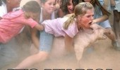 kids girl crowd angry fighting animal dont fucking touch my pig funny pics pictures pic picture image photo images photos lol