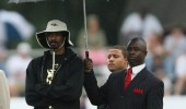 snoop dog umbrella fo drizzle rapper rap funny pics pictures pic picture image photo images photos lol