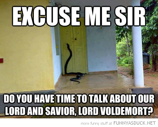 funny-snake-door-excuse-me-moment-talk-l