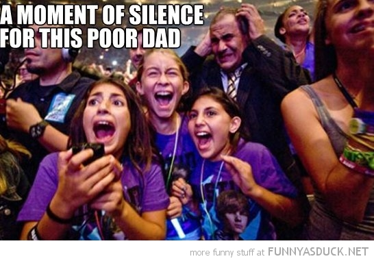 dad justin bieber concert daughters funny pics pictures pic picture image photo images photos lol