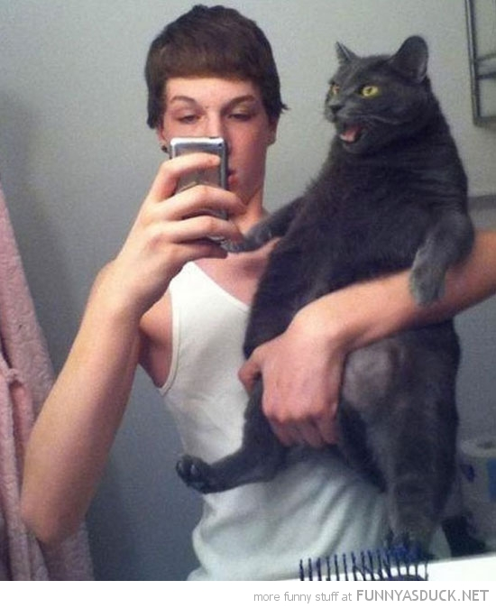 20 Funny & Weird Selfies (Click For Full Post)