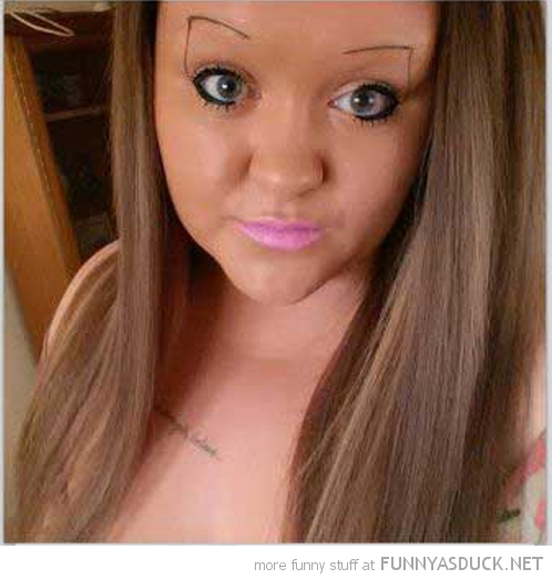 20 Girls With Shocking Eyebrows (Click For Full Post)