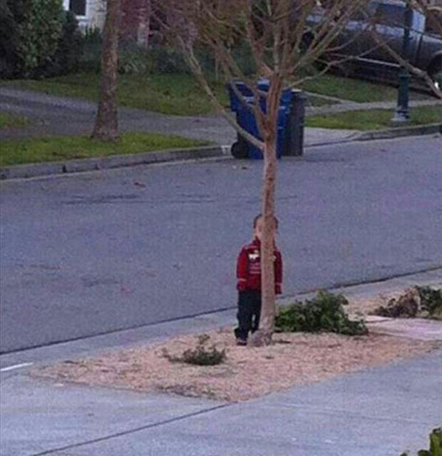 funny-pictures-kids-playing-hide-seek-hiding-places (1)